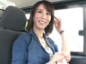 澤村レイコが素人ファン宅へゲリラ訪問!最高の美魔女と中出しSEX!!!