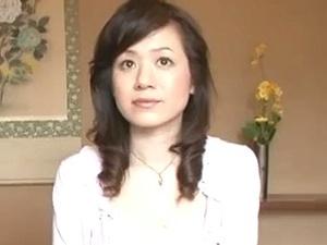 素人夫婦がAV出演!43歳のアラフォー美魔女奥さんの『ナマ』中出しハメ撮り!!