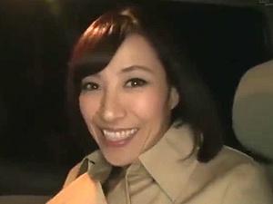 谷原希美が素人M男宅へ訪問!美魔女に痴女られる夢企画!!