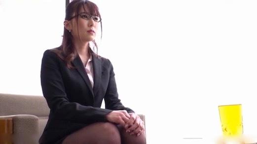 波多野結衣 マンズリ大好き巨乳淫語秘書