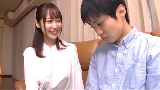 篠田ゆう 「新しいママがブラジャーを著けてなくてあまりに無防備だから、実は內緒でめちゃくちゃセックスしちゃってます」