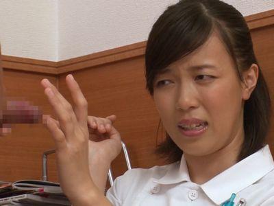 【熟女×ナース】自分のミスで精子採取できなかった熟年看護師が、患者に謝りながら2発目の精液検査をお手伝い!