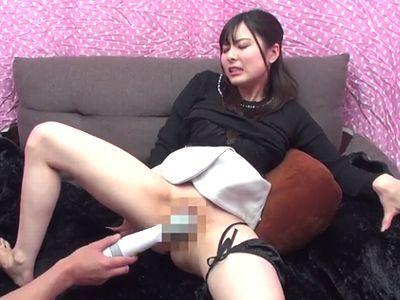 『見て…イクとこもっと見てぇぇ~』アクメイキする痙攣マンコを見られてお漏らし失禁する清楚な変態美少女女子大生に膣内射精!