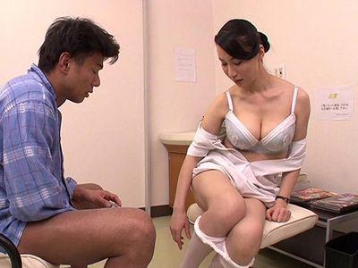 【熟女×ナース】精液検査のための精子を採取できない患者のため爆乳おっぱいの完熟ボディで射精をお手伝いするベテラン看護師!