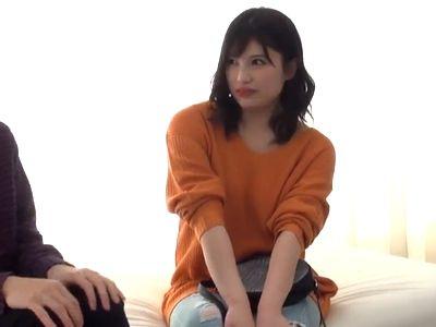 【素人ナンパ】渋谷のパリピギャル女子大生が初対面の童貞くんと筆おろしセックスに挑戦!未使用チンポを弄ぶ淫乱ビッチ!