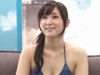 【MM号】清楚で可愛いビキニ美女奥様が極上ボディで優しく筆おろししてあげる不倫NTRセックスで童貞くんの初体験!