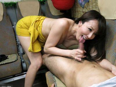 【澤村レイコ】長身スレンダーの美魔女女優の凄テクを我慢できたら中出しセックス!美女熟女に大量膣内射精するご褒美SEX!
