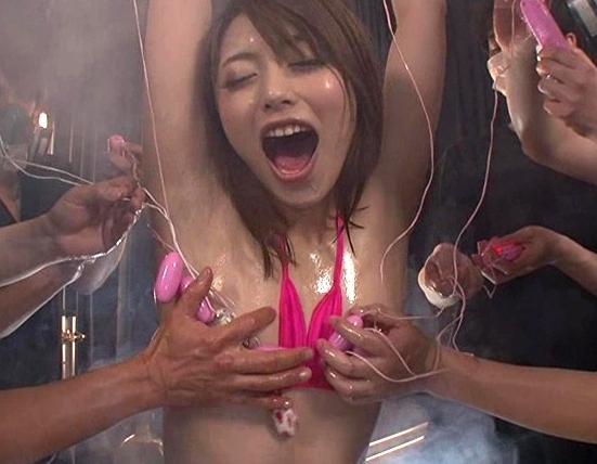媚薬ガスの吸い過ぎで理性崩壊した痴女の柄タイツ足コキの脚フェチDVD画像3