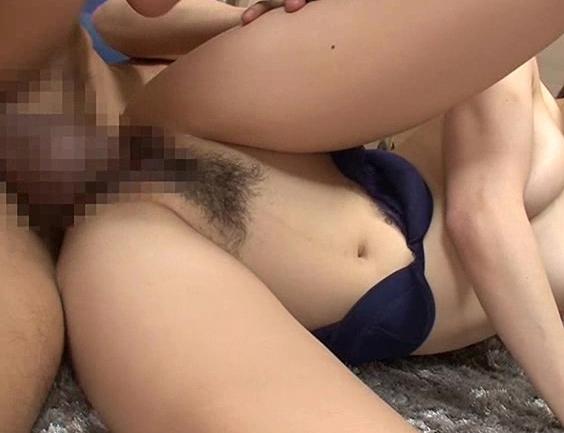 男を責める事が大好きな痴女お嬢様の素足コキの脚フェチDVD画像2