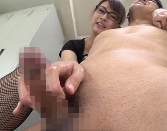 エッチな秘書のパンスト足裏や足コキで射精する足フェチ動画の脚フェチDVD画像2