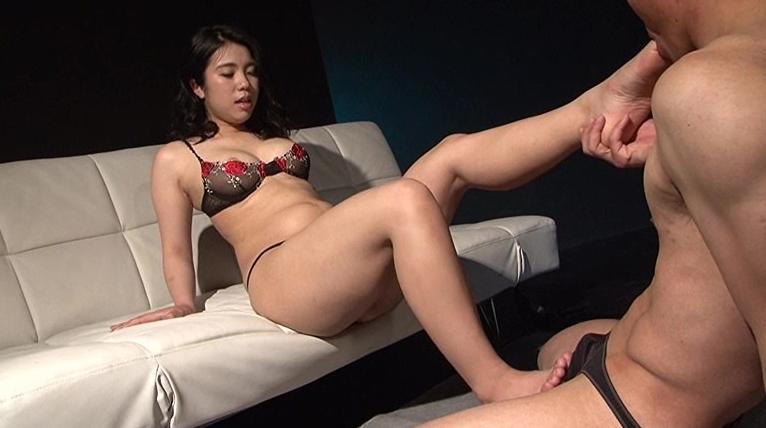 ムチエロ女の肉体に負けて犯され続ける男女逆転セックス 水澤りこの脚フェチDVD画像2