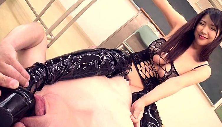 極巨乳美女 優月まりな 超ドSニーハイブーツ女教師ザーメン狩り!の脚フェチDVD画像2