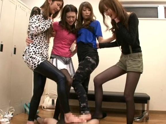 長身美脚モデルのハイヒールや素足で足コキされるドエス責めの脚フェチDVD画像6