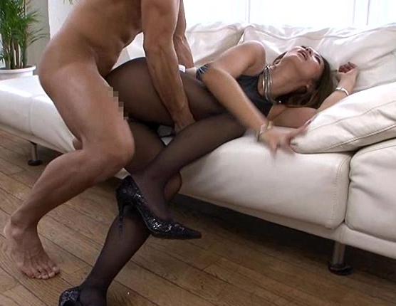 引き締まったカラダがセクシーな美熟女のパンスト着衣SEXの脚フェチDVD画像3