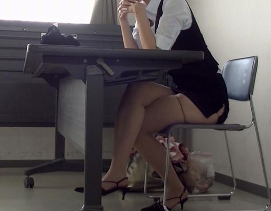 盗撮アングルで女性のパンスト美脚を爪先から足裏まで堪能するの脚フェチDVD画像5