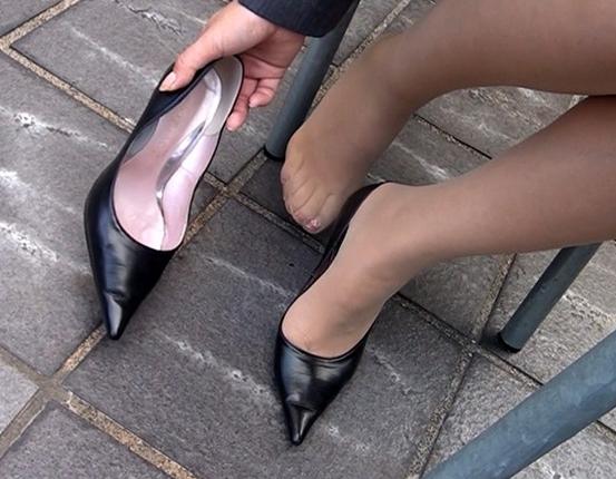 盗撮アングルで女性のパンスト美脚を爪先から足裏まで堪能するの脚フェチDVD画像3
