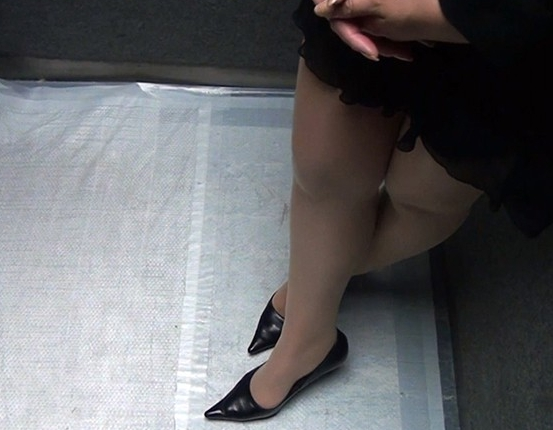 盗撮アングルで女性のパンスト美脚を爪先から足裏まで堪能するの脚フェチDVD画像2