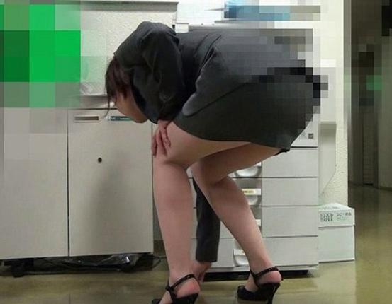 盗撮アングルで女性のパンスト美脚を爪先から足裏まで堪能するの脚フェチDVD画像1