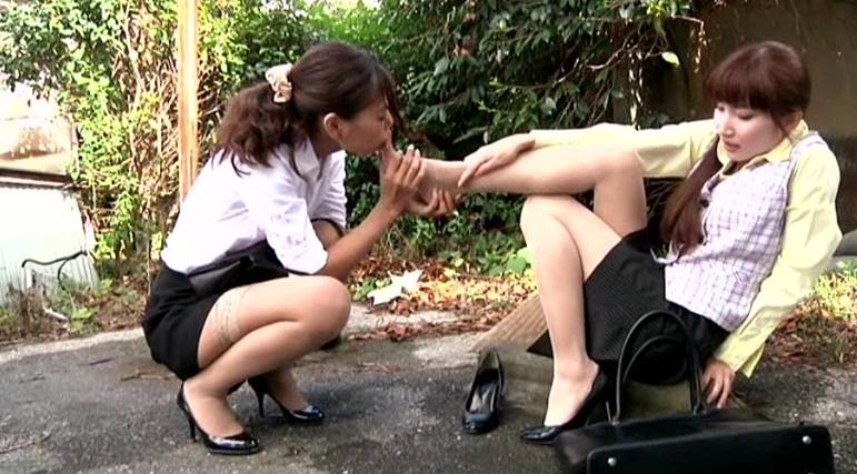 美脚の足指まで舐めるレズの脚フェチDVD画像4