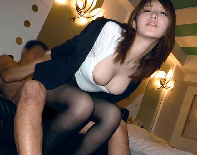 美人OLのパンストを破り爪先を足舐めし着衣SEXでイカせまくるの脚フェチDVD画像3