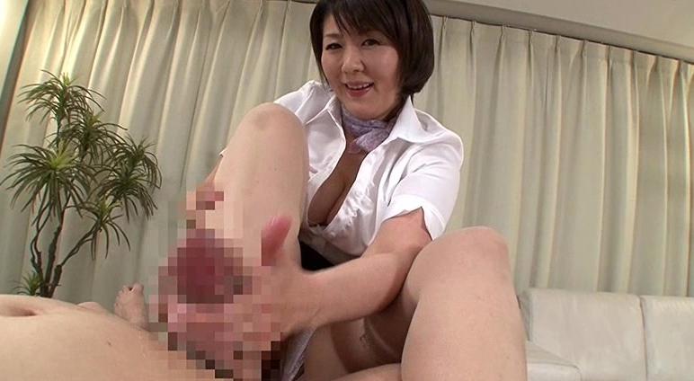 中出しのできる人妻回春性感エステ 円城ひとみの脚フェチDVD画像2