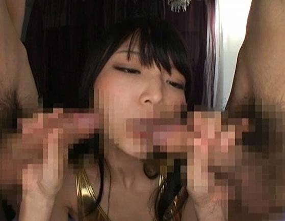 キャンギャルに喰い込むハイレグパンストを着せたまま着衣SEXの脚フェチDVD画像2