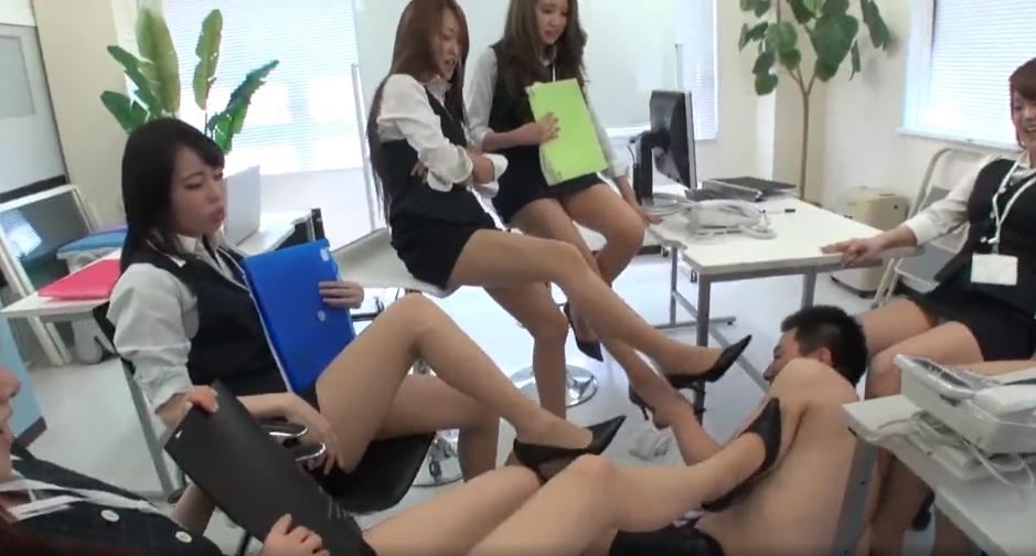 集団OLたちからの女臭パンスト消臭責め!!の脚フェチDVD画像2