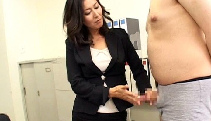 美人女教師スパルタ教育指導の脚フェチDVD画像3
