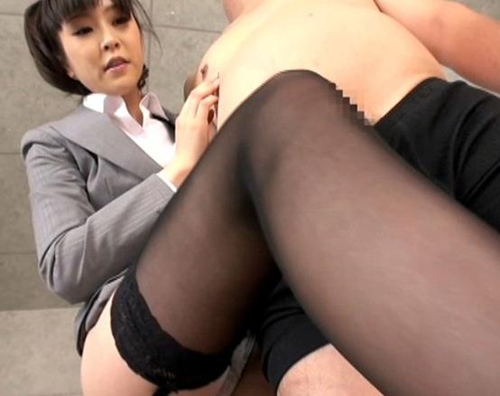 パンスト美脚のお姉さんが足フェチ男に足コキや着衣SEXで責めるの脚フェチDVD画像1