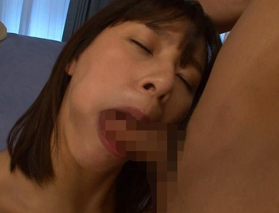 AV女優の爆乳カノジョとムチムチのパンスト足コキや中出しセックスの脚フェチDVD画像3