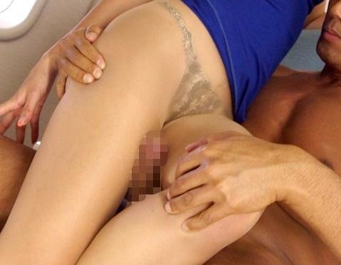 デカ尻キャビンアテンダントの熟女がパンスト足コキや着衣SEXの脚フェチDVD画像5