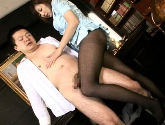 ドエスな美人秘書がハイヒールの爪先でコリコリ肉棒を弄りまくるの脚フェチDVD画像1