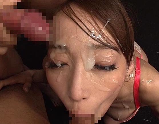 熱いドロドロザーメンが大好きな巨乳美女の生足コキ責めの脚フェチDVD画像4