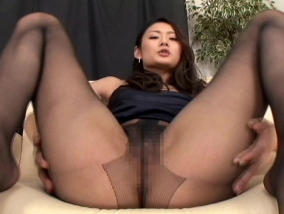 長身美女のパンスト美脚を爪先から太腿まで堪能する脚フェチ動画の脚フェチDVD画像1