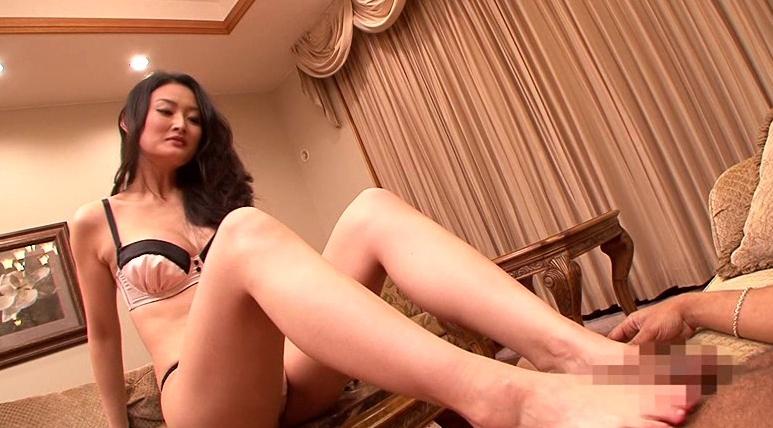 黒人青姦 竹内紗里奈28歳 白昼に犯される奇跡のエロボディの脚フェチDVD画像3