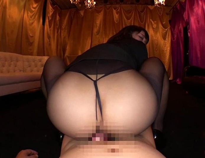 ムチムチな太腿とデカ尻で責める痴女OLたちが太腿コキや着衣SEXの脚フェチDVD画像5