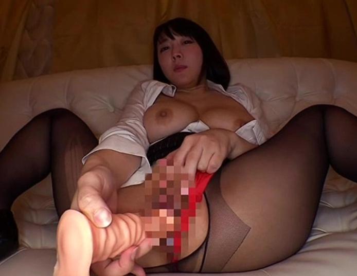 ムチムチな太腿とデカ尻で責める痴女OLたちが太腿コキや着衣SEXの脚フェチDVD画像1