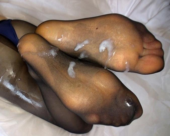 幼い女子高生の蒸れたパンストで足コキさせ足裏にぶっかけ足射の脚フェチDVD画像6