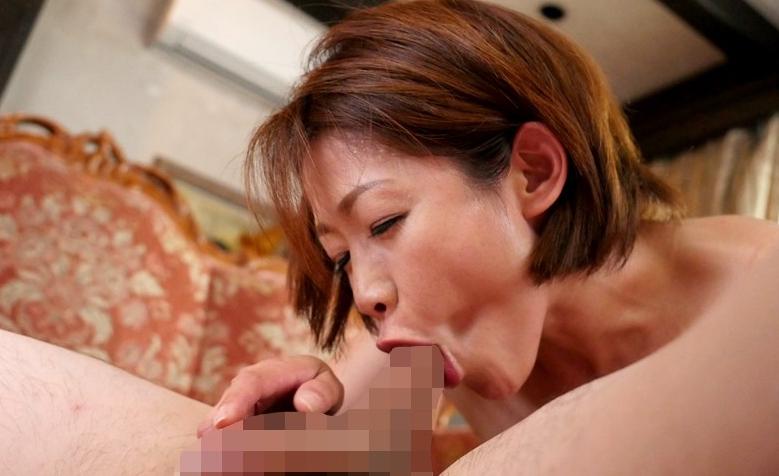 ドM一家の嫁 友田真希の脚フェチDVD画像2