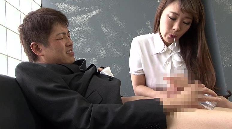 聖水一番搾り 10人の美痴女の脚フェチDVD画像6