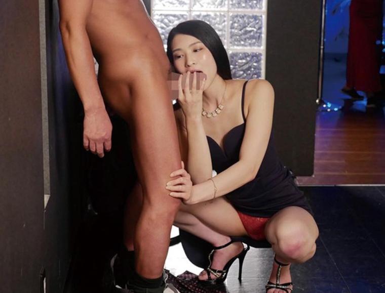 コスプレ美女がミニスカポリスのパンスト美脚で足コキ責めの脚フェチDVD画像3