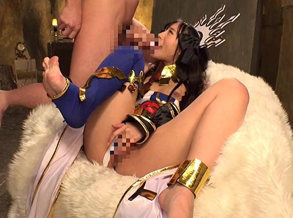 女神コスあ良く似合う美少女の足コキで大量足射や中出しセックスの脚フェチDVD画像5