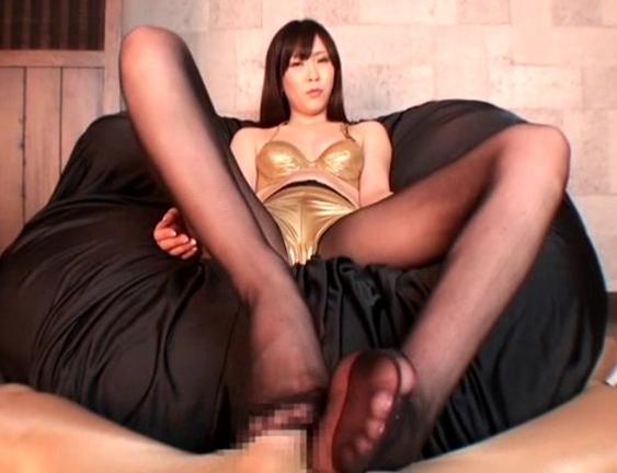美脚美女の蒸れたパンスト足裏で足コキ抜きばかりを特集の脚フェチDVD画像1