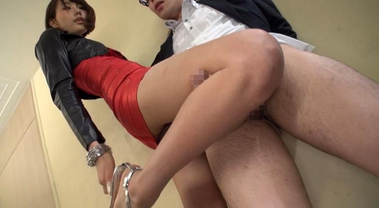 180cm超長身タトゥー美女の摩天楼SEX 佐藤エルの脚フェチDVD画像3