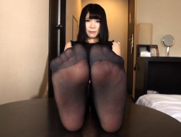 可愛い女の子の気持ち良すぎるパンスト足コキで2連続足射の脚フェチDVD画像1