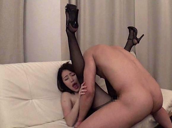 OLお姉さんの蒸れた黒パンスト美脚で足コキされ大量足射の脚フェチDVD画像6