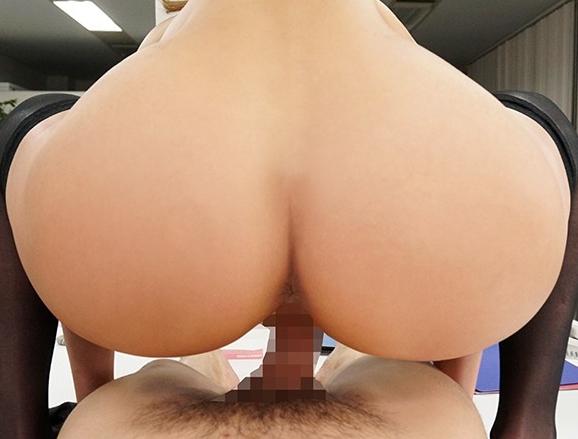 痴女ギャルOLにパンスト足コキされ無理やり童貞を奪われるの脚フェチDVD画像6