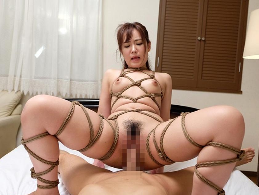奴隷闇市でSM調教されたS級美少女の生足コキで大量足射の脚フェチDVD画像6
