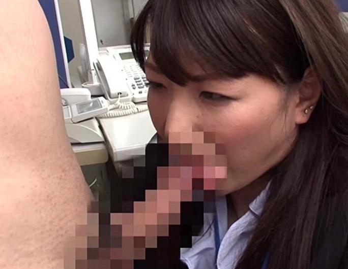 異性になって転職し女の身体を武器に生足コキや淫乱セックスの脚フェチDVD画像3