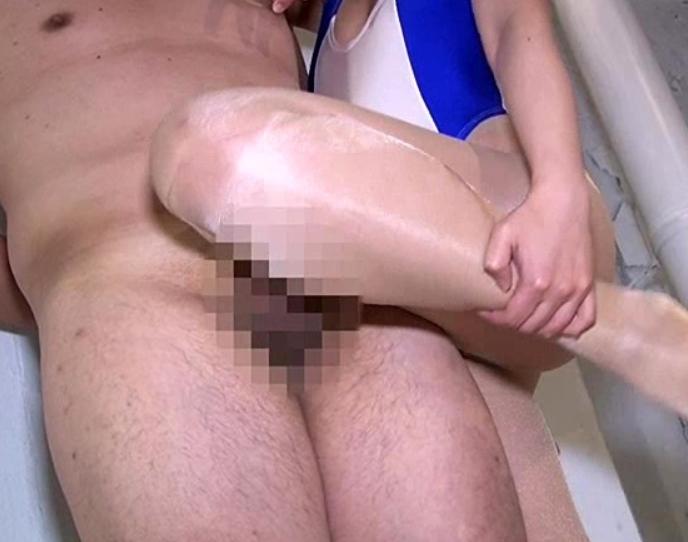 パンストフェチには堪らない足臭や足裏を堪能できる足コキ動画の脚フェチDVD画像4